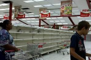 Supermercados-o-Comercios-Vacios-en-Venezuela-Escasez-4-800x533-800x533